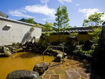 源泉掛け流しの長良川温泉です!茶褐色の温泉で身体の真から温まります。