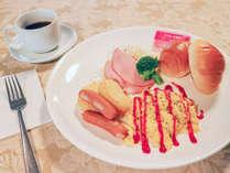 *朝食/パン、卵料理などの洋朝食