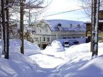*外観/栂池高原スキー場ゲレンデインのホテル。