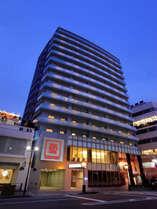 南京町入り口にホテルはございます。