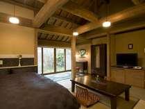 【和洋室】客室は全室趣が異なる造り。ゆっくりとお寛ぎ下さい/例