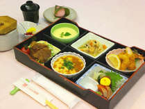 *【お弁当夕食(一例)】心温まるお弁当をご用意しております。