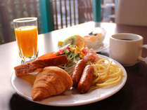 ご朝食はバイキング(洋食の盛り付け例)