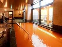 【内風呂・温泉】源泉かけ流しと沸かし湯の異なる2つのお湯をご用意。