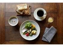 ご朝食は四季折々の身体に嬉しいメニュー(フードコーディネーター冷水希三子さん監修)