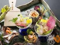 伊東港で水揚げされた魚介を中心に、新鮮なお造りをご堪能ください