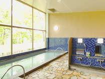 *【風呂】神代の湯。八丁湖を見下ろす展望風呂が大好評☆やさしい柔らかなお湯でお肌がツルツルに!