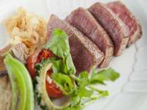 レストラン4つのディナーコースの内のひとつ、鉄板焼きの料理一例です。