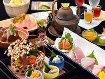 夕食~満秋~風の薫のお料理は季節の旬な素材を活かした会席料理。
