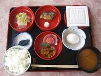 ◆朝食一例◆和食中心、日替わりで飽きない食事!朝はしっかり食べて、お出かけください☆