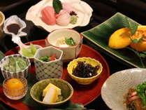 「胡豆昆」の食材を使った『滋味食』で保養の宿にふさわしく体に良いものを提供出来るよう努めています。