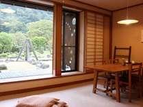 【竹の館】1階客室には、濡縁が付帯されます。午後のお茶の一時、濡れ縁でどうぞ。