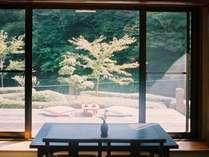 【梅の館】1階客室 広いぬれ縁
