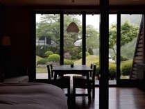【松の館】 木造建築に黄土を贅沢に使い、フローリング仕上げのモダンなお部屋 部屋食スタンダードプラン