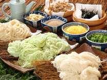 オリジナルごま玉うどん&小豆島素麺食べ比べ