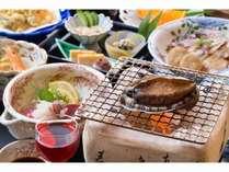 ●夕食(当館自慢の鮑会席!)