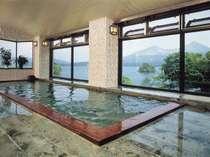 当ホテル自慢の温泉は午後3時から、翌朝11時までご入浴頂けます。
