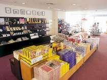 ロビーにある売店には、裏磐梯や喜多方のお土産を取り揃えております!