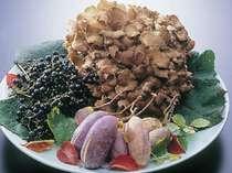 季節ごとに内容がかわる、旬の食材を使ったお料理をお楽しみください!