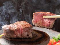 【信州牛の石焼ステーキ】「ジュー」と音をたてて運ばれる信州牛フィレ肉の石焼ステーキ