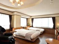 【プレミアムスイート】当館でたった1部屋、和と洋を併せた広々とした80平米のお部屋