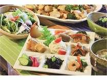 【WEB限定】週末祝日 露天風呂付客室1泊2食付 15時C/IN ・・ご夕食はヘルシービュッフェ スタイル