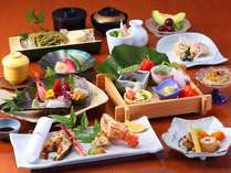 *会席料理【紅葉】は、魚や野菜など旬の食材を使用したお料理をお届けします。
