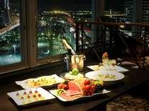 13階の『神戸倶楽部』では夜景を見ながらのパーティやお食事を!
