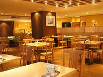 神戸ポートキッチンは2Fのレストラン。朝のビュッフェと昼と夜にバイキングを行っております♪