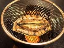 生きたまま焼くので新鮮そのもの。バターと醤油との相性は抜群!