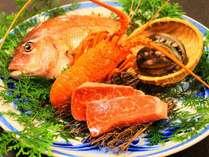 『伊勢海老&鮑&雲仙牛』雲仙の三大美食を味わえる。