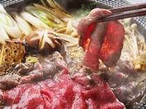 とろけるような美味しさの、本場米沢牛すき焼き。特製味噌ダレでどうぞ!!