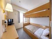 【2段ベッドルーム】ご家族やスポーツ合宿などにご利用いただいています。