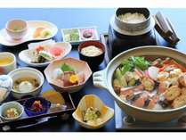 秋鮭と茸の味噌仕立て鍋+8品和食会席で・・【1泊2食付プラン】土日もOK!
