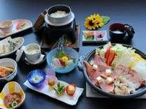 メインは海鮮(赤魚、つぶ貝、たこ)と夏野菜の陶板焼き全10品の和食会席コース。