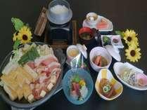 栃尾名物あぶらげと豚肉の陶板焼き和食会席コース【全8品】※写真の陶板焼きは4人盛りの例です。