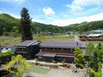 外観◆遠くに武尊山を望む風光明媚な片品村に当館はございます