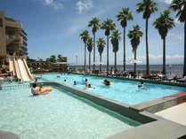 【シーサイドプール】姉妹館・ホテルニューアワジのプールもご利用頂けます(7月上旬~9月中旬)
