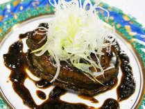 *【特選料理/アワビのステーキ】食感はもっちりと柔らかで、噛むと旨味が口の中にじゅわ~っと広がります!