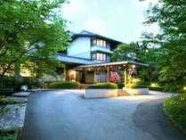 那須にひっそりとたたずむ昔ながらの趣ある高級旅館「那須温泉山楽」