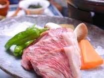 *お夕食一例/豚肉料理。お肉が柔らかいとご好評いただいております。