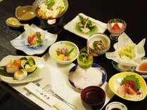 *【夕食一例】地元野菜や身延町名産のゆばを使用し、豆乳鍋・湯豆腐など滋味豊かなお料理。