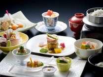 和夕食:季節の懐石料理 全品イメージ