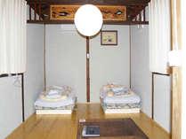 【館内】木造の温かい雰囲気のお部屋。