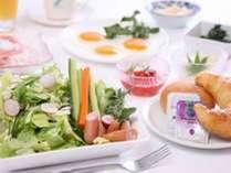 35種類の選べる楽しい&嬉しい&美味しい無料朝食バイキング☆