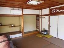 8畳和室(個室)冷暖房完備。新畳の気持ち良いお部屋です。