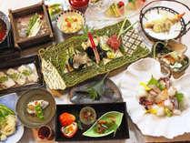 【季替り懐石】地元の新鮮な海の幸など、淡路島の味覚を詰め込んだお料理です。