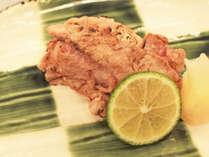 【淡路牛堪能懐石コース】ジューシーなA5ランク淡路牛と白米の炙り寿司の先付け(※お料理は一例)