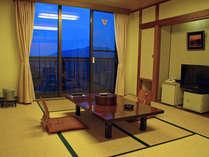 たつの市街もしくは揖保川が眺望できる和室のお部屋です
