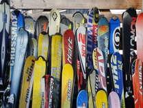 宿泊者は無料のレンタルスキー